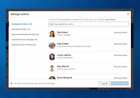 LinkedIn stran lahko upravlja več administratorjev, pod pogojem, da imajo osebno LinkedIn stran.